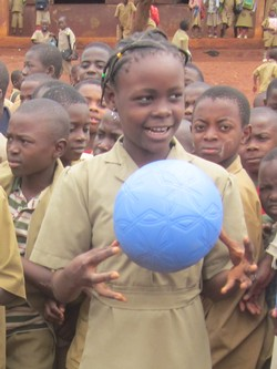 Ecole publique d'application - girl with ball -cameroun